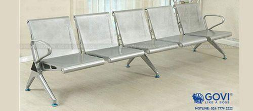 Tiện ích hơn với những mẫu ghế băng chờ kèm bàn