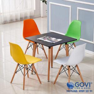 Bàn ghế cafe Eames vuông 80×80