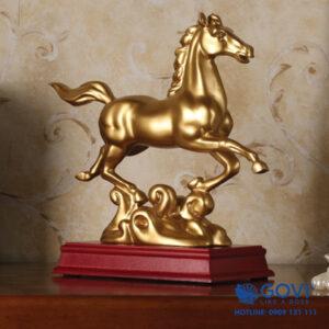Tượng ngựa mã đáo phong thủy